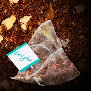 toni glass cranberry rooibos bag